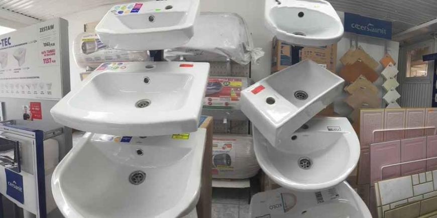 Jak najlepiej wykorzystać małą łazienkę?